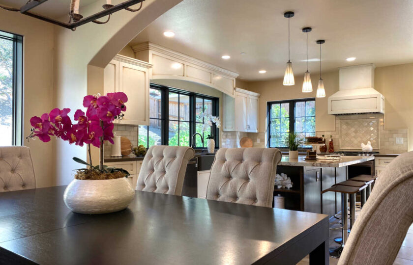 Traditional home staging design of dining room in Ventura 4 bed, 3 bath family home