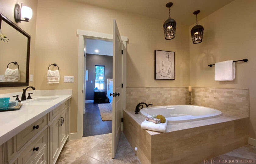 Traditional home staging design of master bathroom in Ventura 4 bed, 3 bath family home